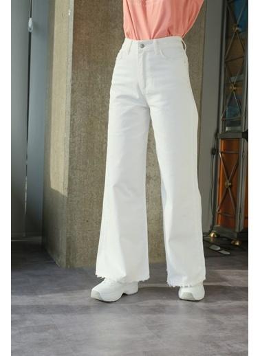 Levure Yüksek Bel Bol  Paça Pantolon Beyaz